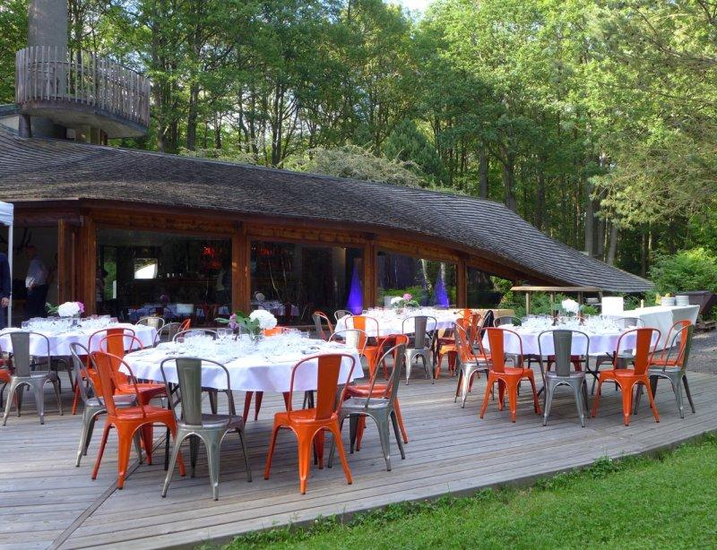 Terrasse extérieure réception dîner La Roche Couloir