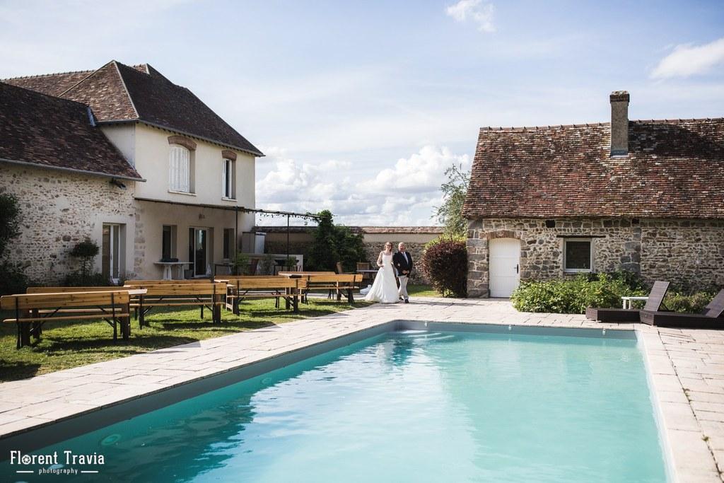 Mariage au bord de la piscine à La Thibaudière par Florent Travia