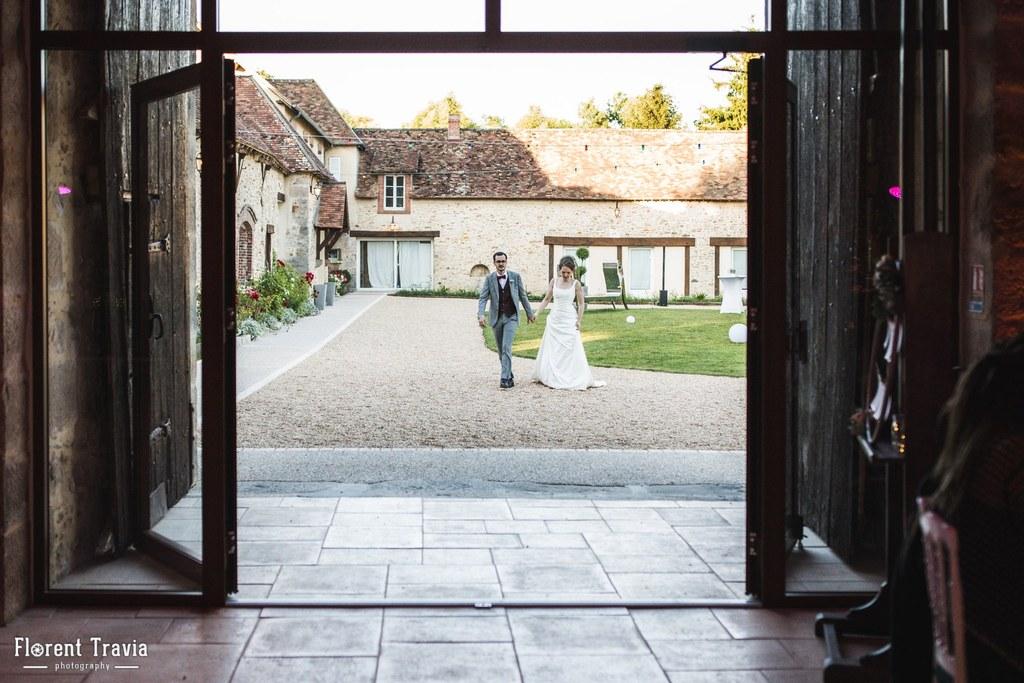 Arrivée des mariés dans la Grande Grange