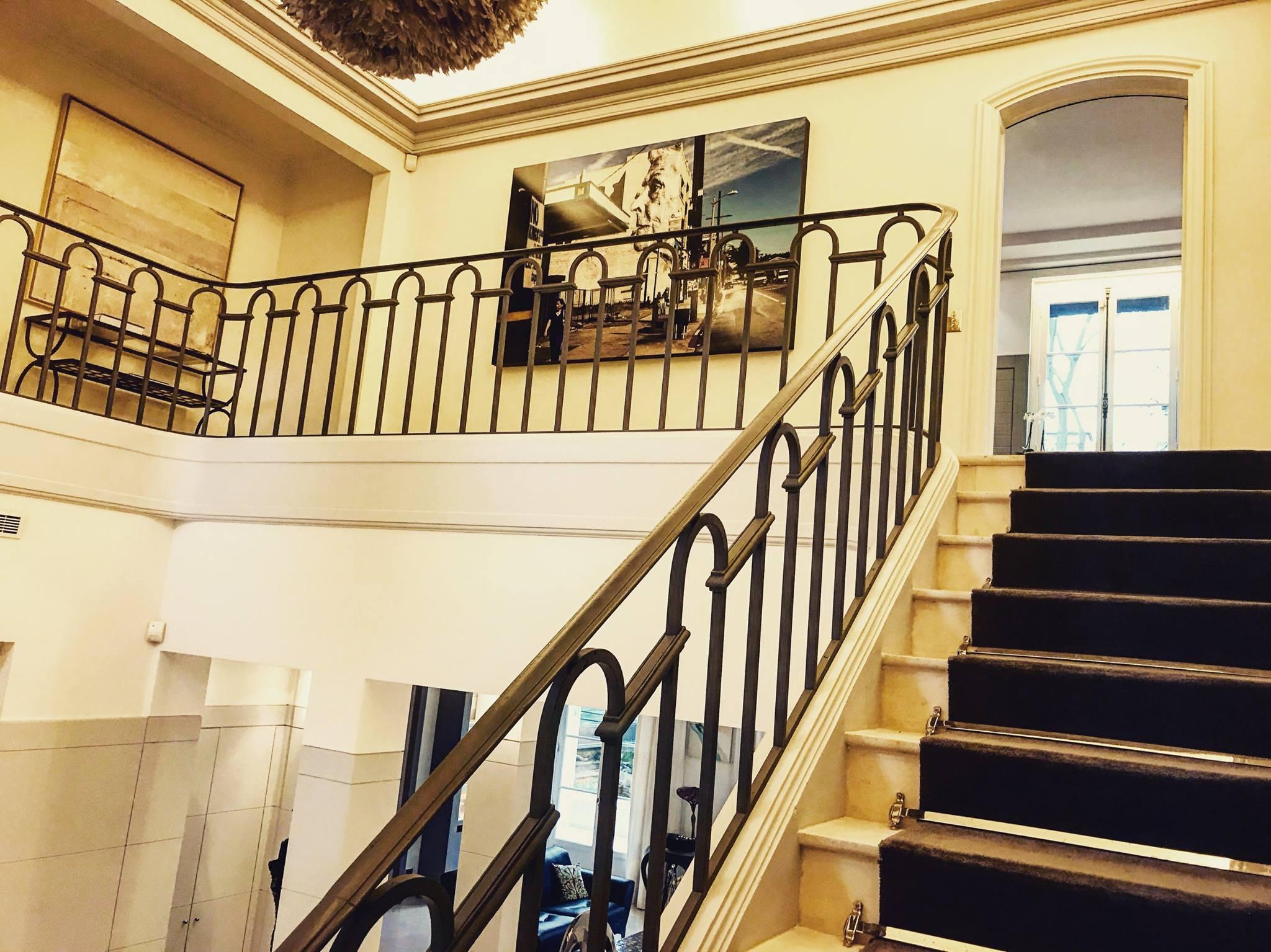 Hall d'entrée escaliers La Résidence Paris