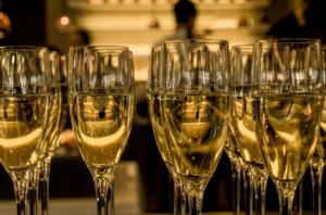 Coupes de Champagne cocktail festif