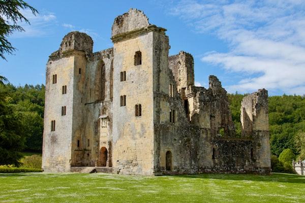Château en ruine patrimoine par Nick Fewings